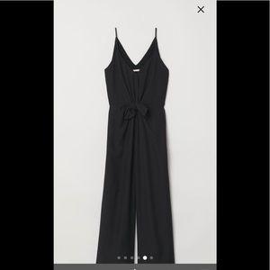 H&M jumpsuit 🕶🎩👠🥿👟